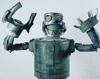assemblage valerobots super droid green