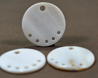 Mother of Pearl focal pendant, 30mm, #771