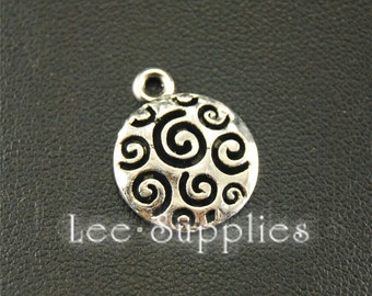 20pcs Antique Silver Round Tags with Pattern Charms A1567