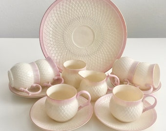 Belleek tea set for 6, pink Thistle, Gold Mark in mint condition