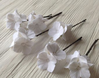 Hair bobby pin polymer clay flowers. Set of 5.  White  hydrangea 5 with 3 flowers