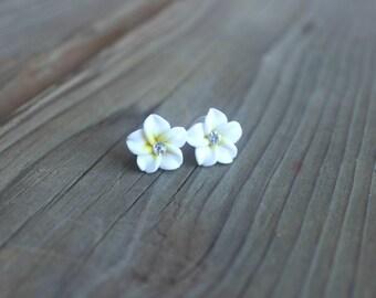 Plumeria Stud Earrings, White Flower Studs, Hawaiian Flower Earrings, Flower Earrings, Tropical Stud Earrings, Rhinestone Studs
