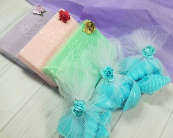 Handmade soap bars gift set  with 3 oversized bars and 3 sachets of guests soaps - Choose your scents  a great mother's day gift
