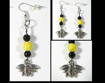 Bumble Bee Earrings w/ Bee Charms 1 Pair Flattened Bottle Cap Style
