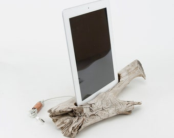On Sale! Docking Station for iPhone, iPhone Charger, iPhone Charging Station, iPhone driftwood dock, wood iPhone dock/ Driftwood-No.1024