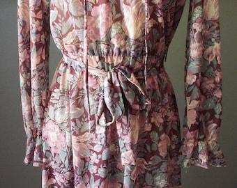 Beautiful Vintage Long Sleeve Floral Print Dress