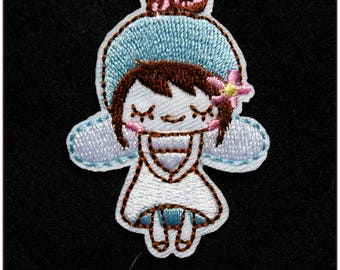 Embroidered patch fusible girl Angel blue sweet kawaii x 1