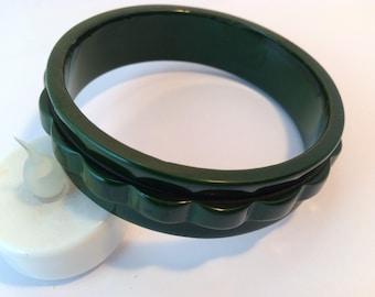 Deep Forest Green Carved Bakelite Bangle Bracelet
