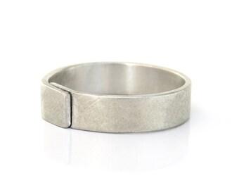 Mens wedding band, men wedding ring, mens brushed gold wedding band, mens silver wedding band, unique wedding ring, gold wedding band.