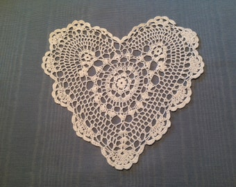 """SALE!!! 9"""" heart doily,  Wedding Table Doily, White heart doily,  crochet doily, shabby chic, farmhouse chic, country cottage, clothing appl"""