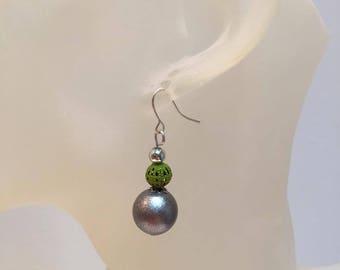 Grey and green pearl earrings pierced