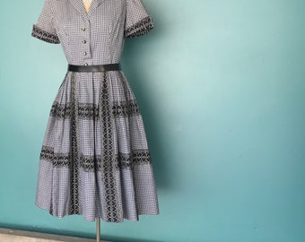 50s Gingham Swing Dress, Twirl Dress, Shirt Waist Dress, Day Dress, Mad Men Dress, Full Skirt Dress, Small Medium, TaraLynEvansStudio