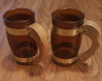 Vintage siestaware brown barrel mugs with brass bands and wood handles, brown mugs with wood handles, vintage siesta ware mugs