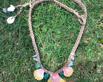 Sunrise shell mermaid necklace
