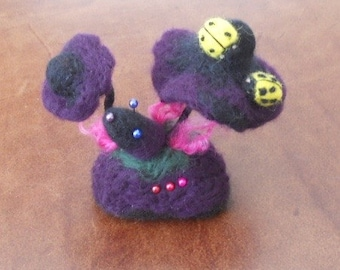 Felted pin cushion, Needle felted Mushrooms, easter gift, mothers day, Toadstool Pin Cushion, Mushroom Ornament, Sewing gift, Needles Pins