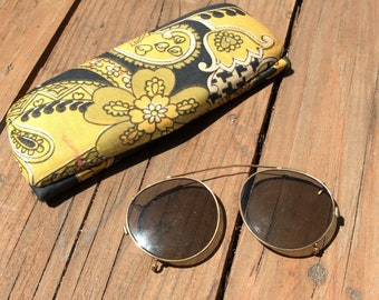 Vintage sunglasses with sunglass case