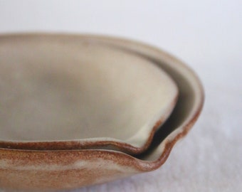 Set of Nesting pouring bowls in OATMEAL ceramic stoneware