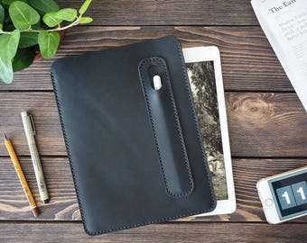 iPad Pro 10.5 inch leather cover. iPad Pro and Apple Pen holder. iPad leather case. Black color.