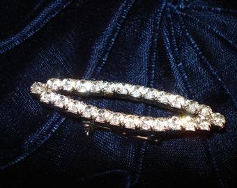 Retro Diamante Brooch classic design costume jewellery