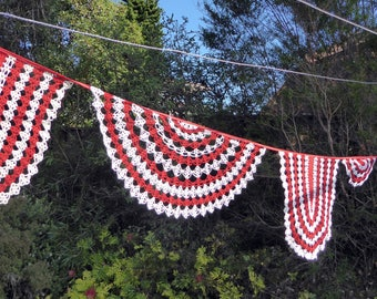 Handmade crochet doily bunting, red and white, patriotic, mantle or room decoration, garland, eco friendly