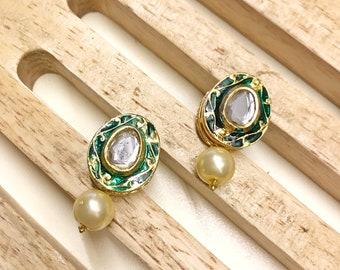 Kundan Earrings, Small Earrings, Pearl Earrings, Indian Jewellery, Bestseller Earrings, Green Kundan Earrings, Elegant Earrings, Accessories
