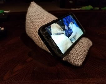 Crochet Cell Phone/Tablet/E-Reader Stand