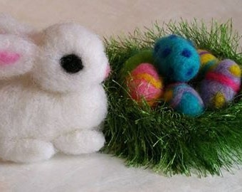 White Needle Felted Easter Bunny & Eggs in Crocheted Green Nest, 6 Easter Eggs, 1 Nest, 1 Easter Bunny, Easter Decoration, Easter