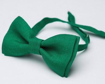 Juicy leaves,Mens bow tie,green Bowtie,festive tie