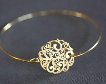 Boho Gold Bangle Bracelet,Paisley Round, Filigree , wire bangle, gold bracelet, minimalist jewelry, bridal bracelet, bridesmaids gifts :)