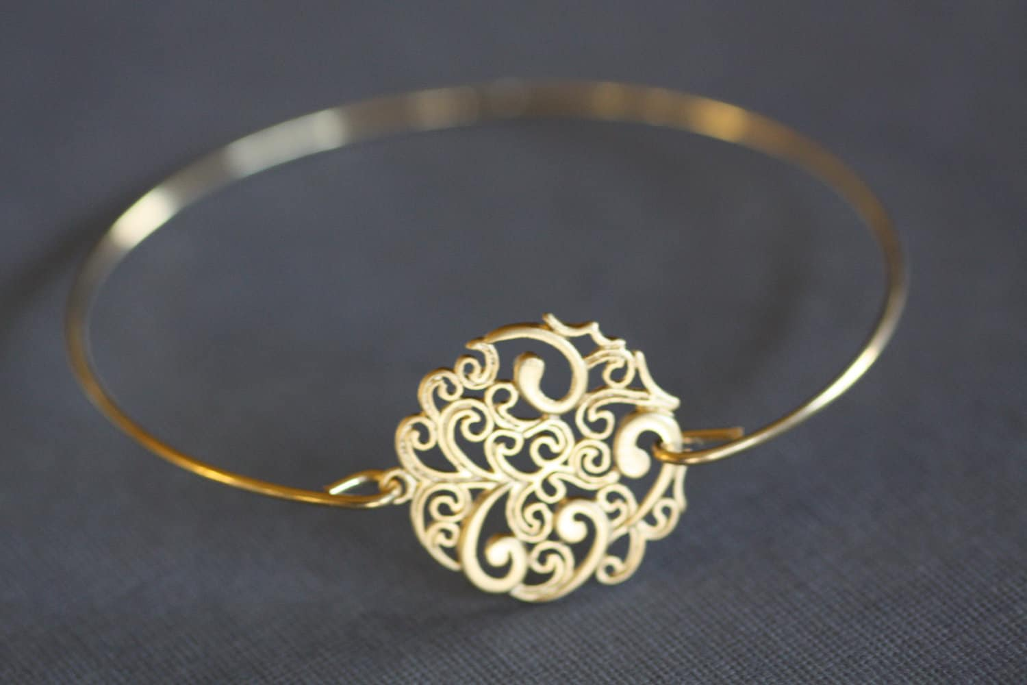 Boho Gold Bangle BraceletPaisley Round Filigree wire