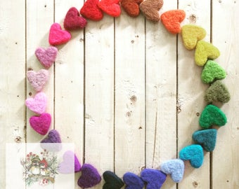 25 little wool hearts - Needle felted hearts - Natural and ecofriendly