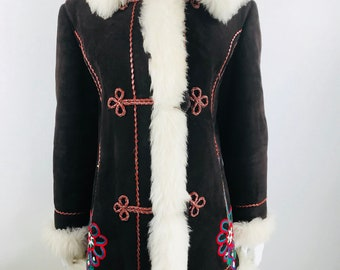 Vintage 1960's Women's Embroidered Afghan Shearling Sheepskin Hippie BoHo Coat Jacket M L
