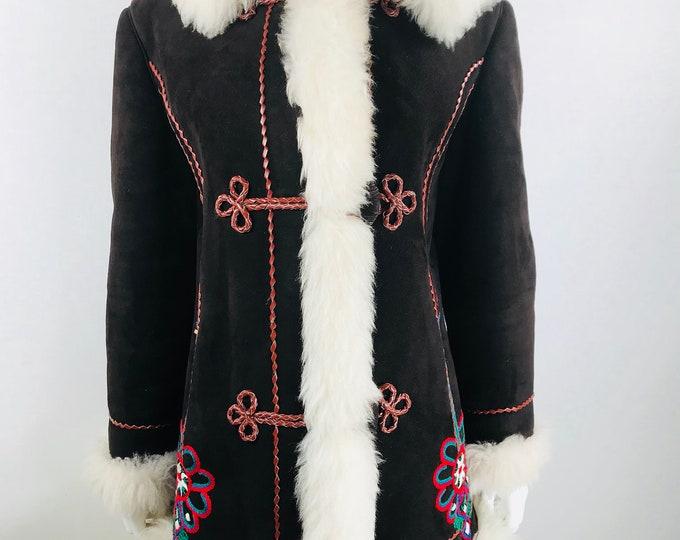 Vintage 1960's Women's Embroidered Afghan Shearling Sheepskin Hippie BoHo Coat Jacket M L