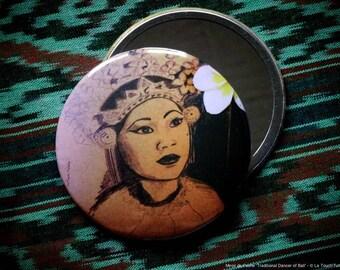 Pocket Mirror Illustred : Traditional Dancer of Bali
