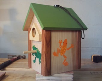 Birdhouse, hand painted with frogs and lizard
