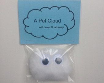 Pet Cloud Large Eyes