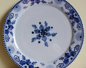 Original Dutch Delftware, Delfts Blauw, gorgeous breakfast/ salad plates in blue and white, earthenware, old traditional decoration Holland