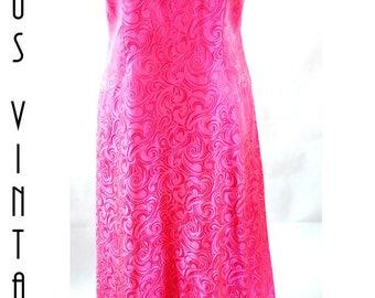 "Plus Size UK 16 Vintage 1960s Neon Pink Brocade Maxi Evening Dress Carnegie Column Mad Men EU 44 US 12 Bust 42"" 107cm"