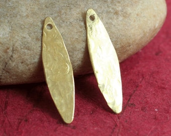 Hand hammered solid brass marquise dangle drop charm size 24x6mm, 4 pcs (item ID XW01824)