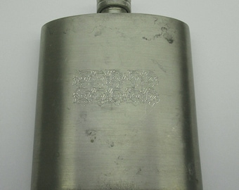 small 5 oz / 150 ml Pocket whiskey hip Flask marked King's Pewter Thailand