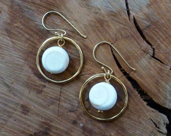 Lovely White Shell & Gold Circle Earrings