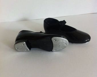 Vintage girl tap shoes / black leather tap shoes / girl shoes / size 7 USA, girl sizes, Dance  Tap shoes