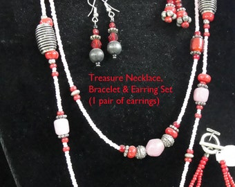 Treasure Necklace Set