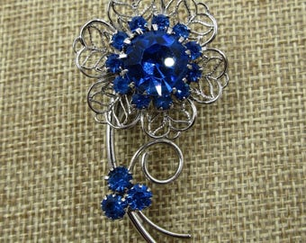 Vintage Sapphire Rhinestone Filigree Flower Brooch, Vintage Sapphire Blue Rhinestone Jewelry, Something Blue Bridal Jewelry, IN 4