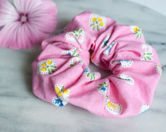 Hair Scrunchie - Hair Accessory - Pink Scrunchie - Handmade Scrunchy - Floral - Cotton Scrunchie - Ponytail Holder