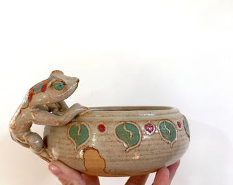 Vintage Hand Painted Stoneware Planter With Lizard