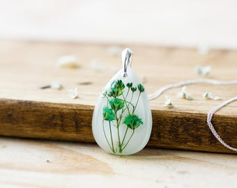 Baby's Breath Necklace, Green Teardrop , Gifts for Her , Real Flower Necklace , Pressed Flowers Jewelry , Gifts for Bridesmaids ,