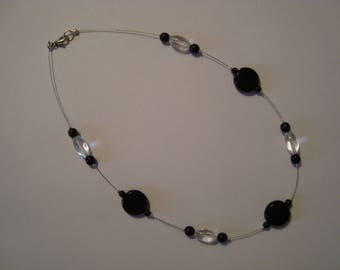Simple black and white transparent necklace