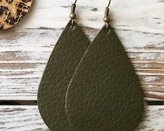 Leather Teardrop earrings - Olive