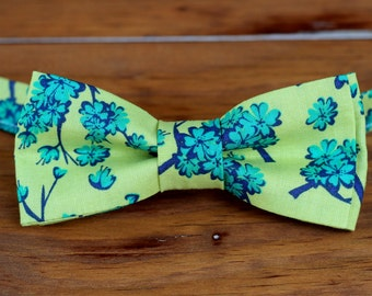 Mens floral green bow tie - men's blue green flowers bowtie - bow tie for men and teen boys - mens wedding bow tie - mens party bow tie